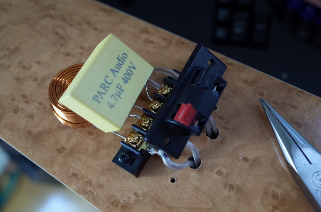 Stereo8月号スピーカーのネットワークをオーディオ専用品に交換してみた